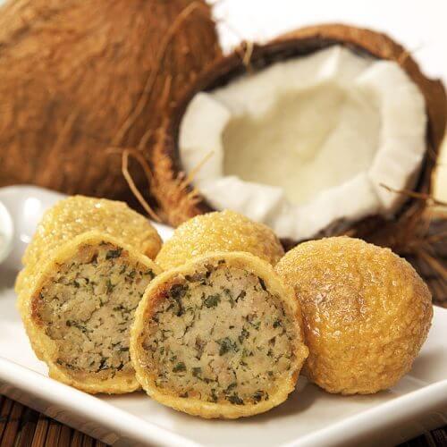 Feurige Hackfleischbällchen in Kokoskruste
